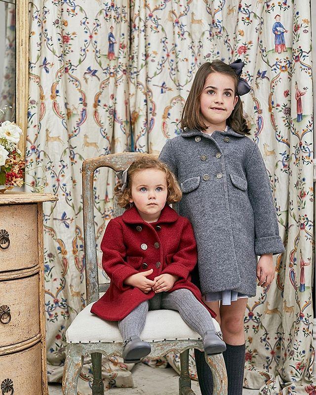 Amaia Kids ♥We Love Razorbil Coat♡ 英国王室シャーロット王女ご着用で一躍有名になったコート。写真左: バーガンディ (シャーロット王女とお揃い)写真右: グレーどれもお洒落な色味。長く着られる商品だからこそ、どの色を選ぶか悩むところです。お生地は丈夫で汚れも付きにくく、数年着ても型崩れがない優秀な商品です。男の子はジョージ王子ご着用のRedwink Jacketもございます。詳しくはウェブサイトをご覧ください。 https://bonitatokyo.com#bonitatokyo #ボニータトウキョウ #アマイアキッズ #amaiakids #アマイアキッズ専門店 #インポート子供服 #海外子供服 #シャーロット王女 #キャサリン妃 #ジョージ王子 #英国王室 #イギリス王室 #女の子ママ #男の子ママ #キッズアウター #こどもふく #出産祝い