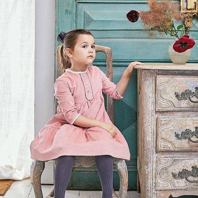 Amaia Kids ♥本日より販売開始Mathilde dress♡コットン100%のコーラルピンクのコーデュロイ生地を使用したワンピース。二段に広がるフレアが可愛らしい商品。人気のタイツも在庫補充&新色入荷しています。詳しくはwebをご覧ください♡https://bonitatokyo.com#アマイアキッズ専門店 #amaiakids #アマイアキッズ #bonitatokyo #ボニータトウキョウ #シャーロット王女 #キャサリン妃 #英国フェア #女の子服 #お姫様ドレス #ピンクワンピース #娘服 #女の子ママ #女の子ママ予定 #出産祝い #七五三 #うめはんママ #子供服 #キッズファッション女の子 #阪急うめだギャラリー #英国展