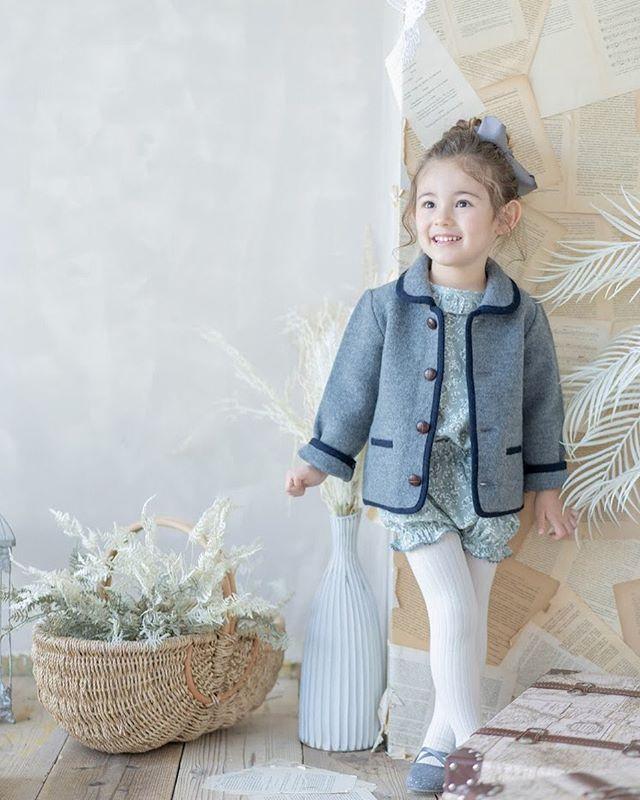 Amaia Kids ♥3歳の女の子が着こなすアマイアキッズスタイル♡写真ジャケット: Redwink Jacket Greyセットアップ: Nemo baby setタイツ: Creamヘアクリップ: Greyショートパンツやミニスカートと相性の良いアマイアキッズのジャケット。上下セットアップのNemo baby setにはGreyのジャケットがオススメです。撮影@studiocoffret大阪梅田店 @studiocoffret_umeda 東京青山店 @studiocoffret_aoyama 鎌倉大船店 @studiocoffret_kamakuraofuna「キャッシュレス・消費者還元制度」でオンラインショップにてクレジットカードご利用のお客様はお支払い金額の5%還元中︎↓↓https://bonitatokyo.com#アマイアキッズ専門店 #ボニータトウキョウ #bonitatokyo #amaiakids #アマイアキッズ #シャーロット王女 #キャサリン妃 #ジョージ王子 #海外子供服 #女の子ママ #子供服 #女の子服 #女の子ベビーママ #ベビー服 #ベビー用品 #出産祝い #ママライフ #むすめふく #女の子ファッション #赤ちゃんのいる生活  #キッズモデル #子どものいる暮らし