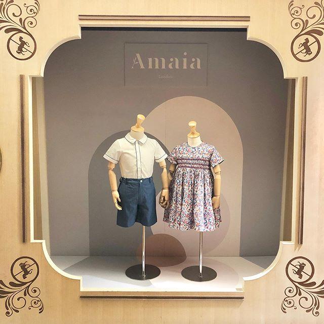 Amaia Kids ♥伊勢丹新宿店のAmaia Kids (アマイアキッズ) ディスプレイ♡今シーズンのロンドン本店ディスプレイデザイナーにより手掛けられました。ロンドンより愛を込めて♡♡♡♡♡♡♡♡♡♡@bonitatokyo↓↓ショップ伊勢丹新宿本館6階↓↓オンラインショップhttps://bonitatokyo.com「キャッシュレス・消費者還元制度」でオンラインショップにてクレジットカードご利用のお客様はお支払い金額の5%還元中︎オンラインショップでのギフトにはAmaia Kidsオリジナルギフトボックスをご利用ください。#アマイアキッズ専門店 #bonitatokyo #amaiakids #アマイアキッズ #シャーロット王女 #キャサリン妃 #ジョージ王子 #むすめふく #娘コーデ #女の子ママ #女の子ママ予定 #出産祝いギフト #リバティプリント #リバティ子供服 #新米ママ #kidsfashion #ママライフ #isetanshinjuku #isetan #伊勢丹新宿