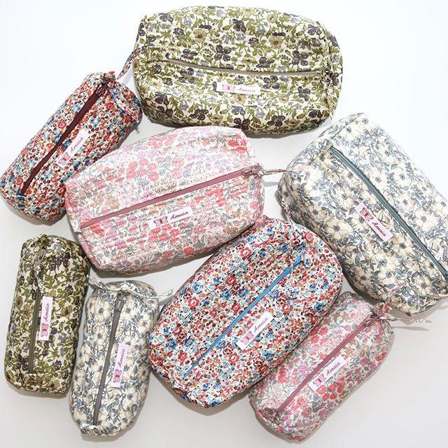 ︎女の子ベビーちゃんへ心のこもった贈り物胸元のスモッキング刺繍は一針一針職人さんが手掛けた世界に一つの作品。大切な赤ちゃんへのギフトにいかがですか🤱↓↓ONLINE STOREhttps://bonitatokyo.com︎オンラインショップにてクレジットカードご利用のお客様はお支払い金額の5%還元中。還元制度は6月末まで。︎ Amaia Kids (アマイアキッズ)で使用したリバティファブリックで作られた未発売のブランドオリジナルポーチを『税抜35,000円以上』お買上げのお客様にプレゼント【個数限定】詳しくはHPをご覧ください。↓↓STORE伊勢丹新宿店本館6階 ISETAN〈館内ではマスクご着用をお願いしております〉#bonitatokyo #amaiakids #アマイアキッズ #シャーロット王女 #キャサリン妃 #ベビーギフト #女の子ママ #女の子ベビー #ベビー服 #出産祝いギフト #出産祝い #セレモニードレス #赤ちゃん服 #ベビーシャワー #ママリ#コドモノ #Isetan #伊勢丹新宿店