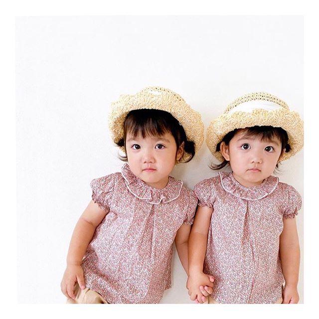 Amaia Kids ♥Kawaii!! x2!!リバティファブリックの上下セットは単品使いも可能なのでスタイリングが自由自在!同じお生地のスカートも大人気商品。トップスにはKensington TopやChelsea Topがおすすめです。Thank you for the cute pictures. @mr_twins8.4 ↓↓ONLINE STOREhttps://bonitatokyo.com︎オンラインショップにてクレジットカードご利用のお客様はお支払い金額の5%還元中。還元制度は6月末まで。↓↓STORE伊勢丹新宿店本館6階 ISETAN〈館内ではマスクご着用をお願いしております〉#bonitatokyo #amaiakids #アマイアキッズ #シャーロット王女 #キャサリン妃 #ベビーギフト #女の子ママ #女の子ベビー #ベビー服 #出産祝いギフト #出産祝い #ママライフ #むすめふく #リバティプリント #ママリ#コドモノ #Isetan #伊勢丹新宿店